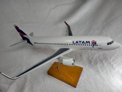 Aviao Airbus A320 Neo - Latam Airlines Brasil - MAQUETE