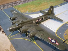 Aviao Boeing B-17G Flying Fortress                   08017 AIRFIX