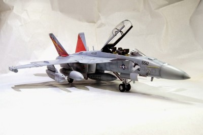 Aviao E/F-18G GROWLER ITALERI