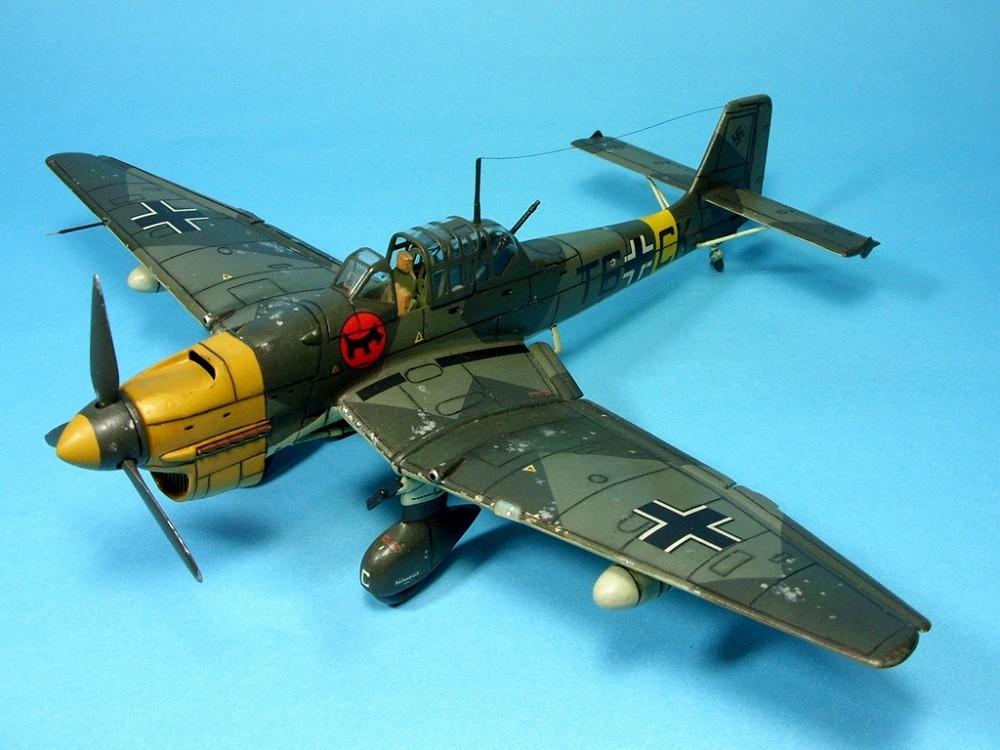 Junkers Ju 87 B-2 Stuka | T2807