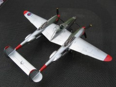 Avião Lockheed P-38J Lightning MINICRAFT MODEL KITS