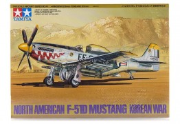 Avião North American F-51D Mustang Korean War      61044 - TAMIYA