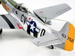 Aviao North American P-51D Mustang C/ Tintas, Pinceis e Cola REVELL ALEMA