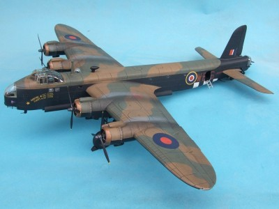 Aviao Short STIRLING Mk.IV - D-DAY VERSION ITALERI