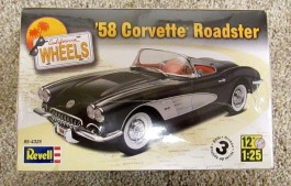 Carro Chevy Corvette Roadster 1958 - REVELL