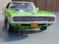 Carro Dodge Charger R/T 1970                      4381 REVELL