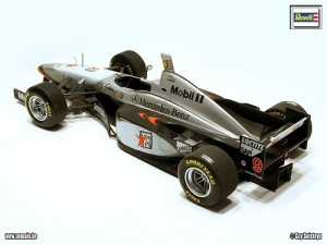 Carro F-1 McLaren Mercedes MP4/12 - Hakkinen / Coulthard