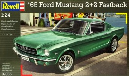 Carro Ford Mustang 2+2 Fastback - REVELL ALEMA