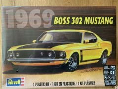 Carro Ford Mustang BOSS 302 - 1969 - REVELL