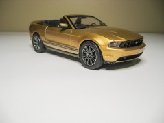 Carro Ford Mustang GT - 2010 - Convertible              1963 REVELL AMERICANA