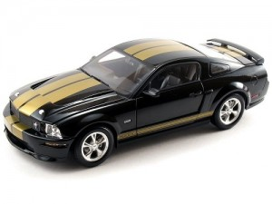 Carro Ford Mustang Shelby GT-350 H 2006 REVELL AMERICANA