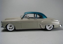 Carro Olds Custom 1950 REVELL AMERICANA