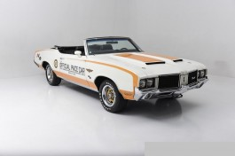 Carro Oldsmobile 72 Indinapolis 500 Pace Car with Linda Vaug REVELL AMERICANA
