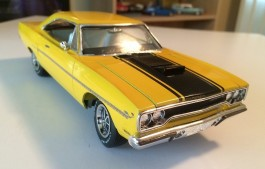 Carro Plymouth Road Runner 1968 AMT