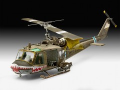 Helicoptero Bell UH-1C                             04960 REVELL