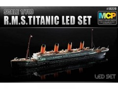 Navio RMS Titanic - with LED set - c/ Luzes - ACADEMY