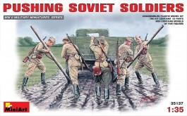 Pushing Soviet Soldiers - MINIART