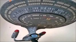Star Trek U.S.S. Enterprise 1701-D (Clear Edition) - NEXT GE AMT