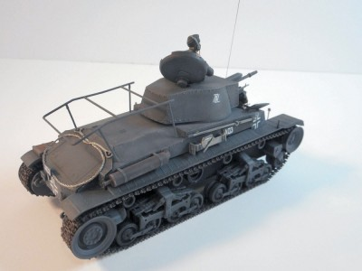 Tanque German Command Tank Pz.Bef.wg 35t ACADEMY
