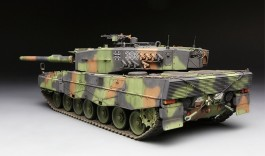 Tanque German Main Battle LEOPARD 2 A4 MENG