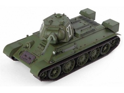 Tanque T-34/85 No.183 Factory - Berlin 1945 ACADEMY